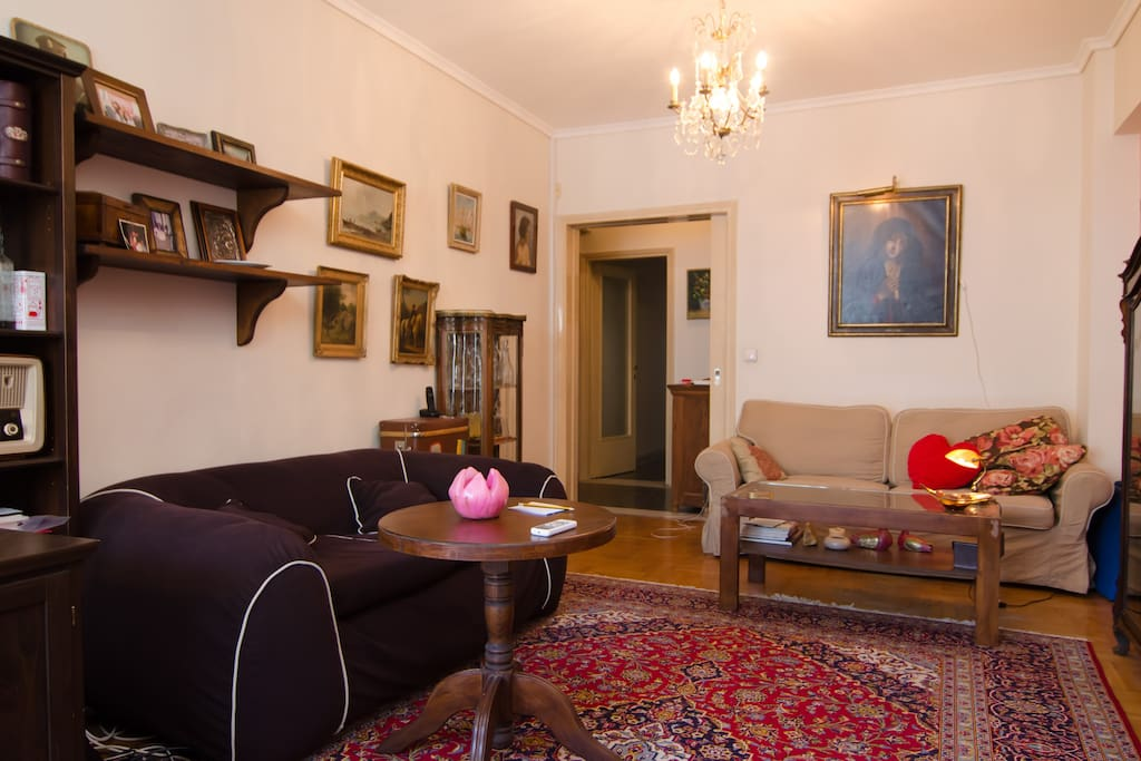 livingroom with antique 17th and 18th century paintings.