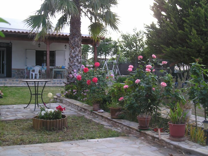 Villa with lovely garden and trees