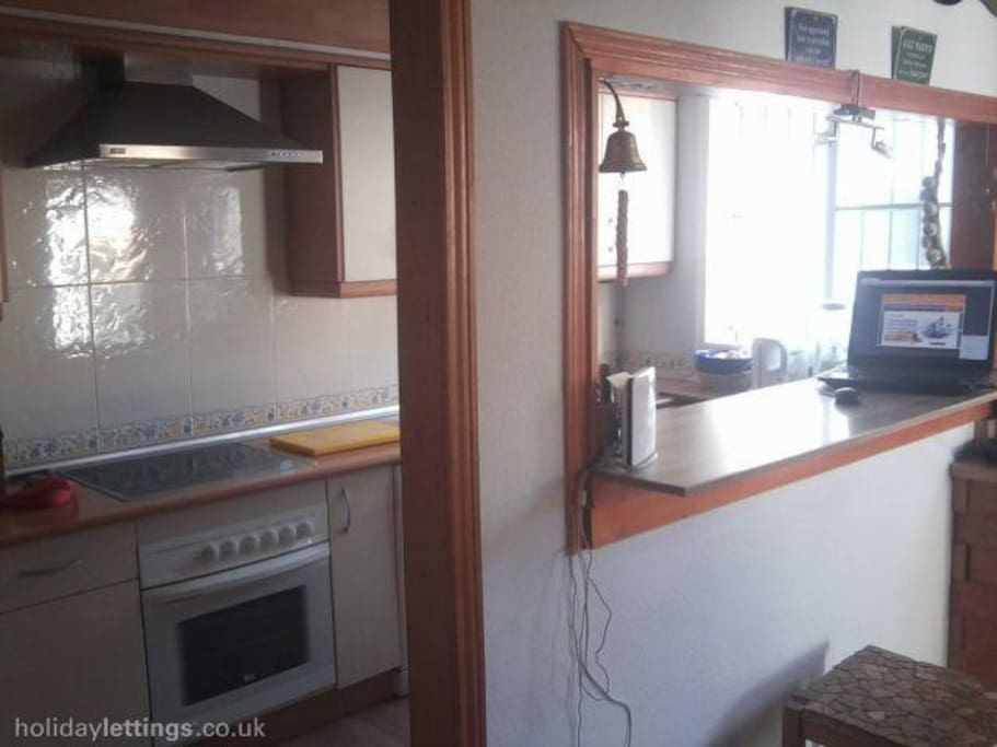 Fully Equipped Kitchen, Microwave, Oven, espresso Machine