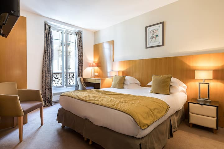 Hotel Boronali *** - Double room in Montmartre