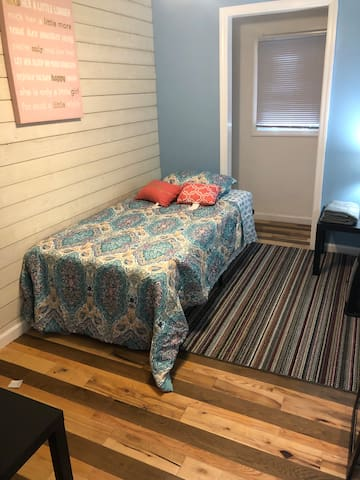Twin Budget Cozy room GS/1C