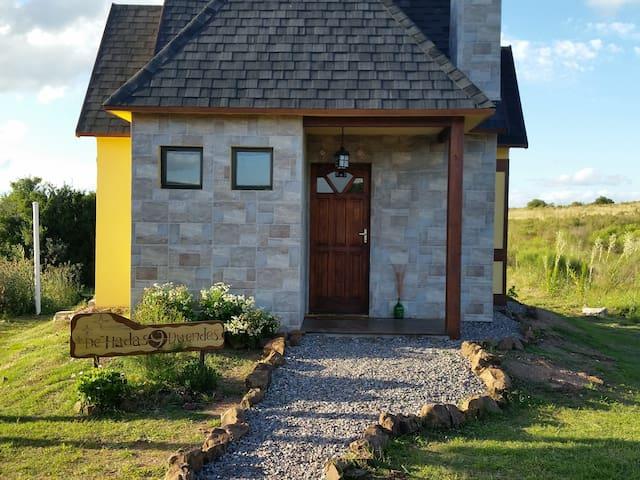 """De Hadas y Duendes..."" house, Marco de los Reyes - Lavalleja Department - Cottage"