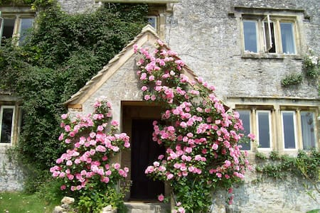 Cotswolds Nr. Bibury/Cirencester - Cirencester