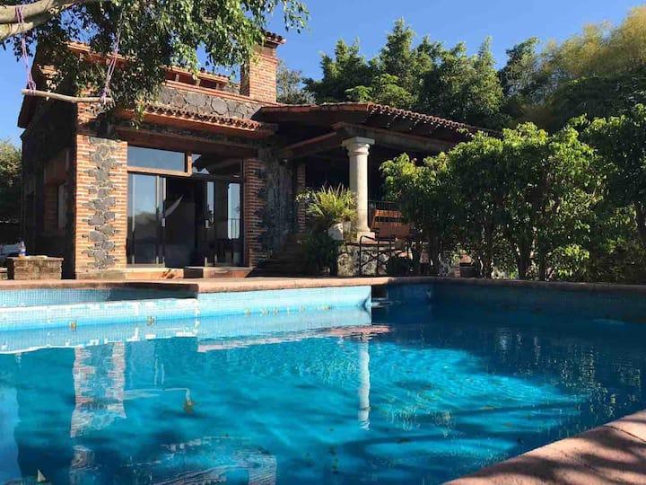 Hermosa Casa Rústica con Vistas en Tepoztlán