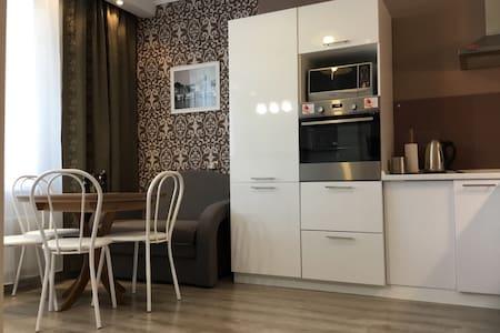 Апартаменты-Студио у Кристалла