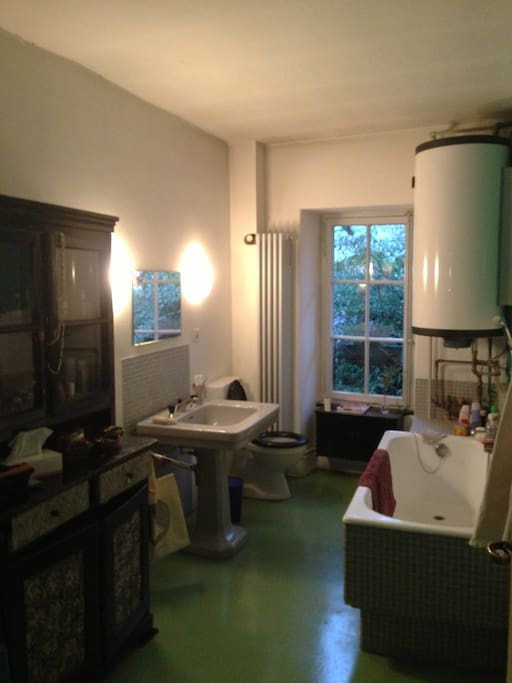 la salle de bain - the bathroon