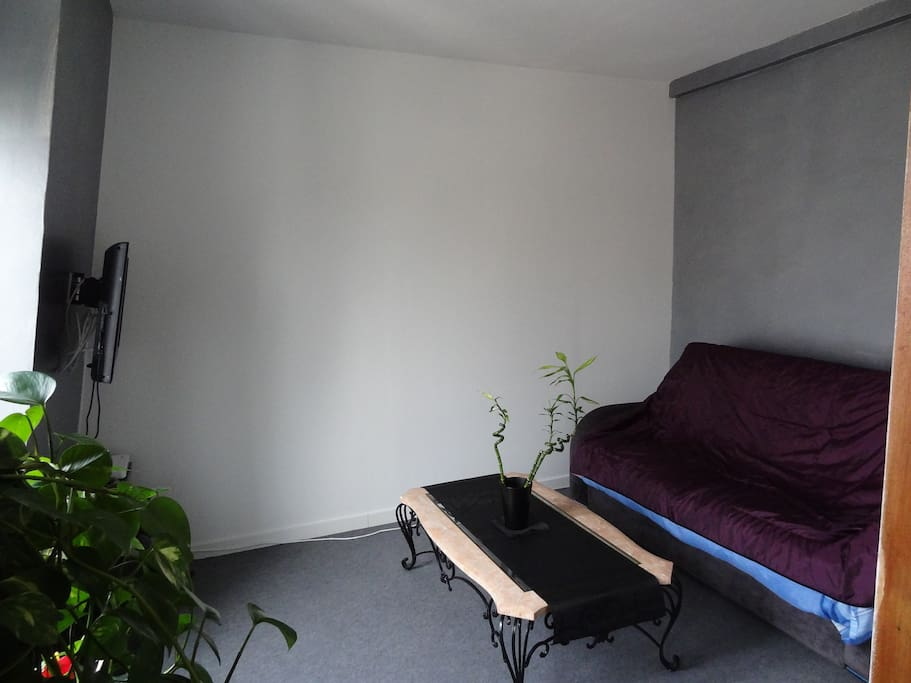 charmant appartement meubl apartamentos en alquiler en levallois perret isla de francia francia. Black Bedroom Furniture Sets. Home Design Ideas