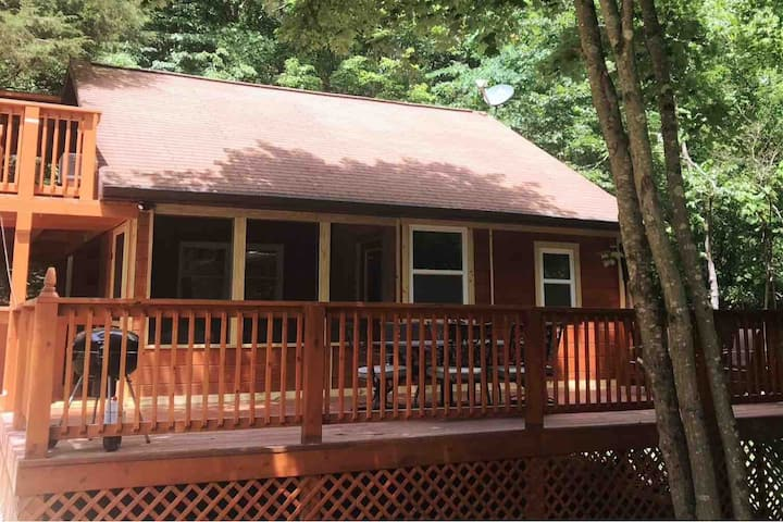 New Listing Boone Ridge Cabin 1.6 m to Patoka lake