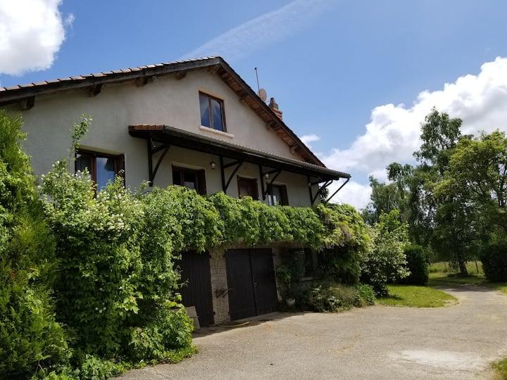 Maison de campagne a la montagne