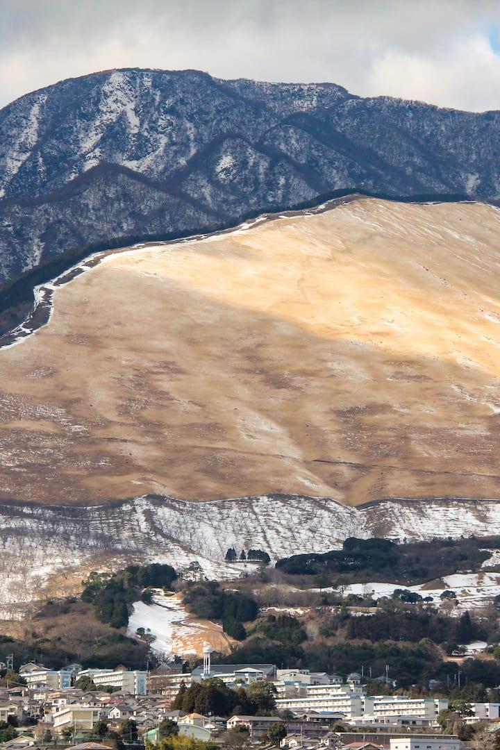 Ogiyama in the foreground during winter