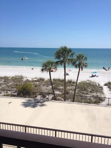 RELAXING CONDO ON OCEAN BEACH - Madeira Beach - Condo