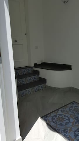 Central cozy renovated apartment - Capri