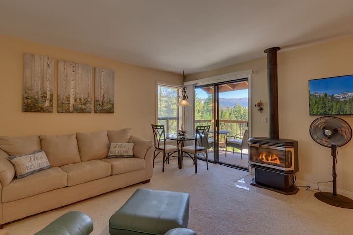Large living room with gas fireplace and kitchenette are perfect place to prep a snack and wind down. Pull up your favorite show or movie to 'Netflix and chill'.