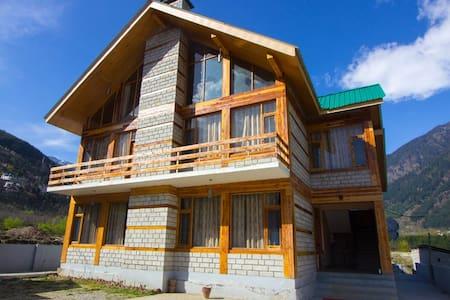Conifer Wood Cottage - Manali