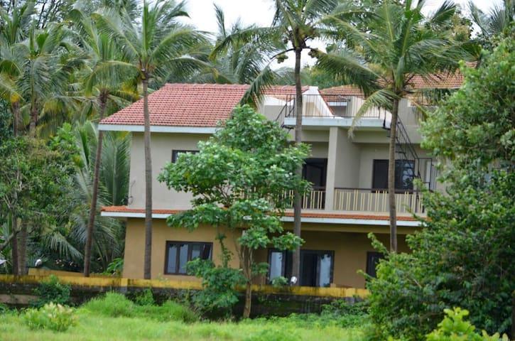 Luxury Fieldview 3 bedroom villa @ Chorao Island - North Goa - Villa