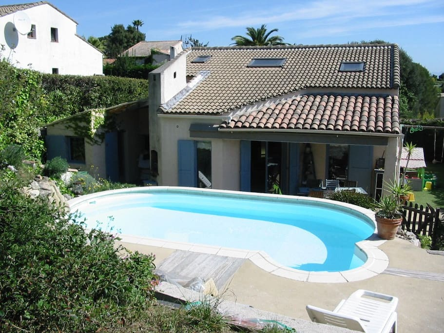 Valbonne villa piscine priv maisons louer valbonne for Piscine valbonne