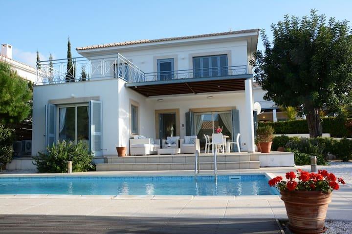 Villa Carob Tree, Private Pool WiFi