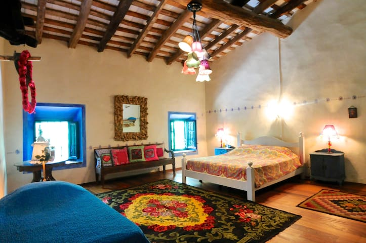 Hooizolder, the Hayloft, El Pajar  - Sant Andreu del Terri - Bed & Breakfast