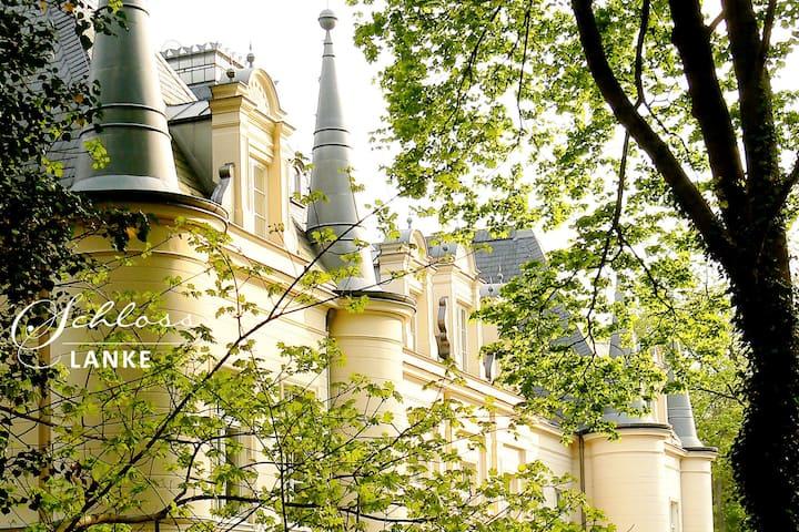 """Ferienwohnung """"Adelaide"""" im Schloss Lanke"""
