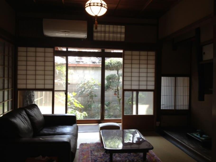 Tatami room facing a small garden