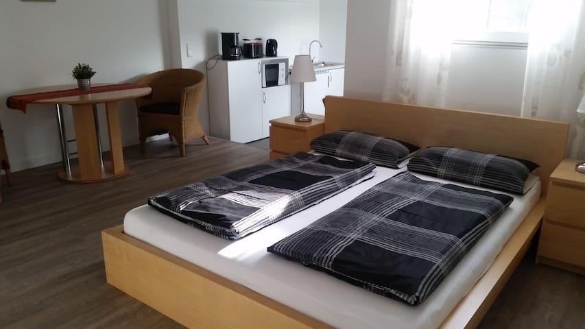 Gemütliches, großes Zimmer in zentraler Lage - Warendorf - บ้าน
