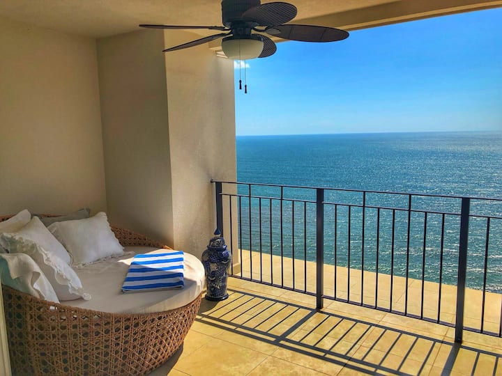 Stunning Ocean Front View 22nd Floor CASA DON ROMO