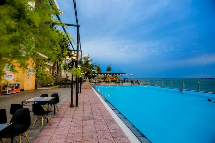 FRONT BEACH Twin Room - Free Breakfast & Pool