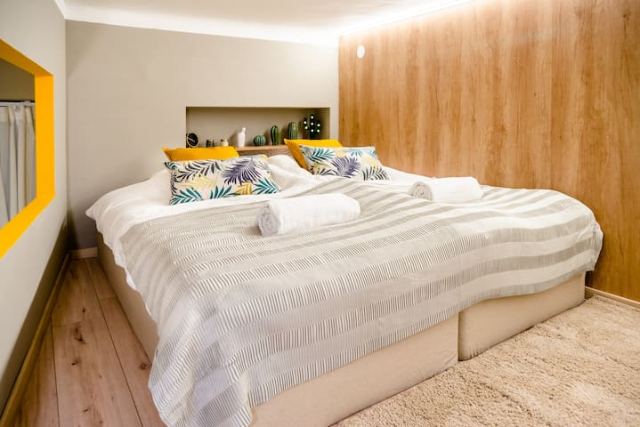 King size bed with high quality mattress