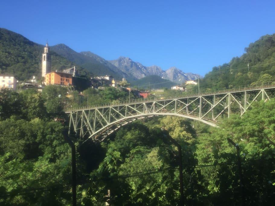 Intragna Centovalli Bahnbrücke