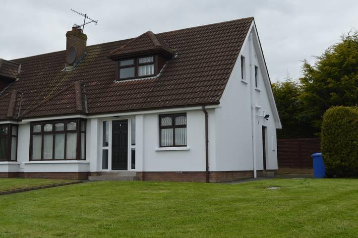 Modern Moy House