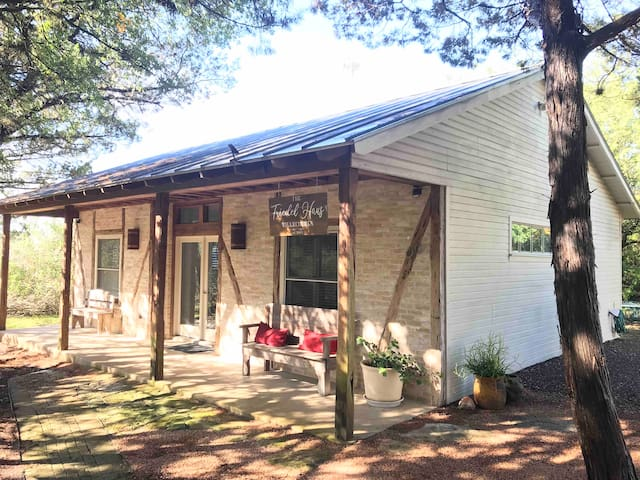 Gruene B&B - The Friedel Haus