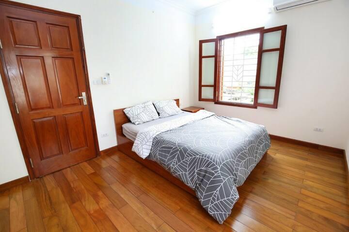 One bdr apartment, Doi Can str/Kim Ma/Metropolis