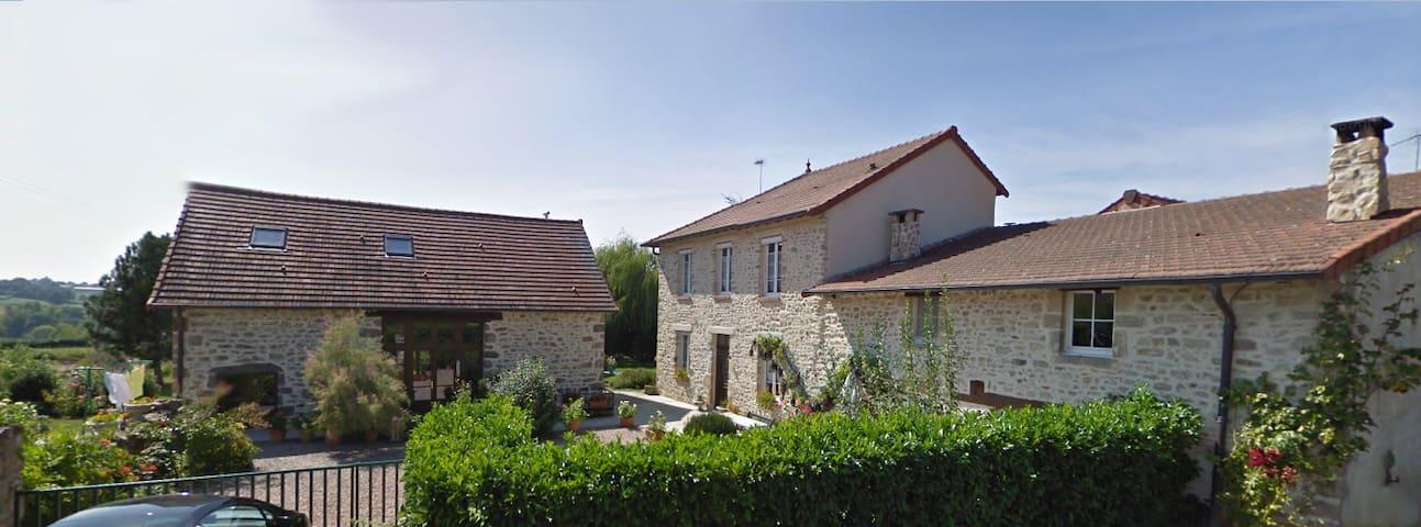 Vacances au Bon Accueil - Sainte-Thérence, FR - Sainte-Thérence