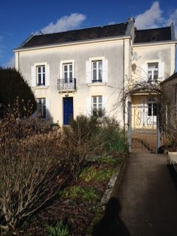 Spacious, elegant Perigord house - Lanouaille - Haus