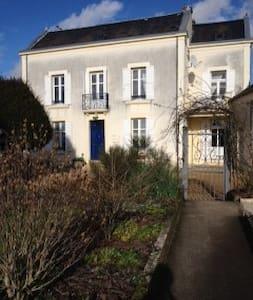 Spacious, elegant Perigord house - Lanouaille - Hus