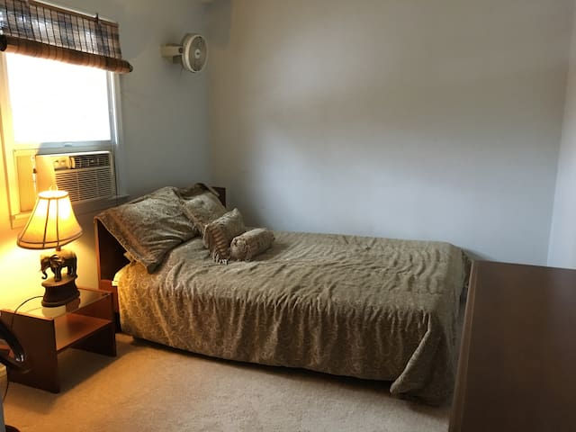 Private Upstairs floor/Scenic views/1 Hour NYC