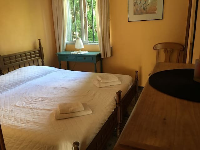 Kingsized/Twin beds bedroom, Riverside Finca/Wi-Fi - Villalonga - 別荘