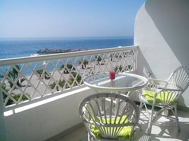 First line and seaview - Almuñecar - Appartement