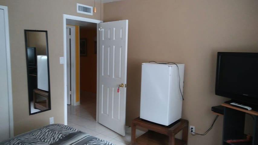 Great private room, fridge and location room #1