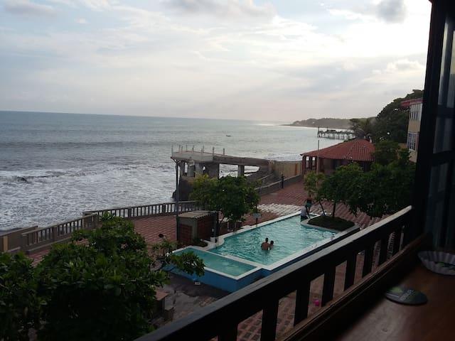 Condominio Puertomar.