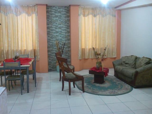Habitación 2 camas, grande y cómoda - Machala - Apartemen
