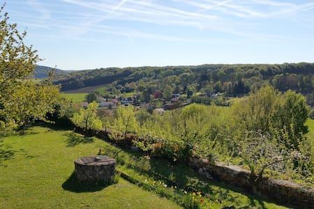 Gite  2 CH avec vue panoramique - Dun-sur-Meuse - Hus