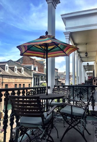 French Quarter Pied-a-Terre w/ Private Balcony - New Orleans - Wohnung