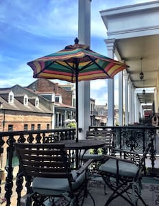 French Quarter Pied-a-Terre w/ Private Balcony - New Orleans - Apartment