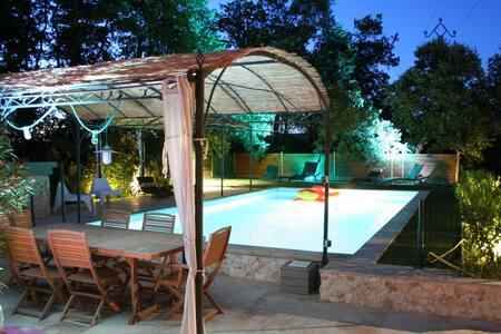 Villa 90m² / Piscine privée / couple - Saint-Cannat