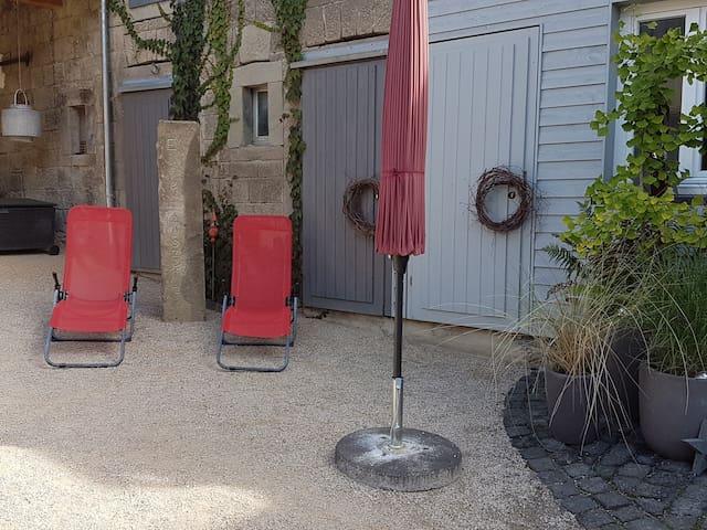 5*Ferienhaus Eifel-Auszeit mit Innenhof und Garten