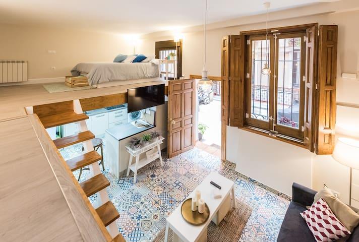 Céntrico apartamento abuhardillado - Madrid - Huoneisto