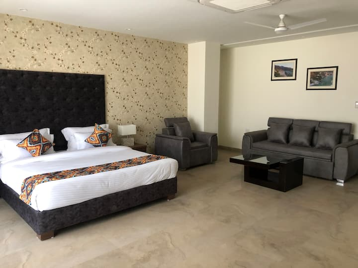 Luxury Suite with Ganges view in Rishikesh