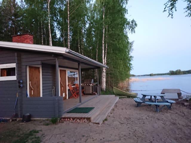 Idyllinen saunamökki