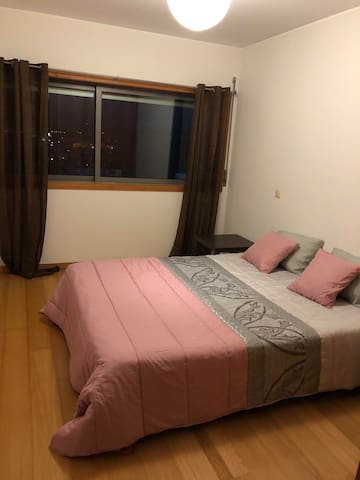 Comfortable room with good views, near Porto